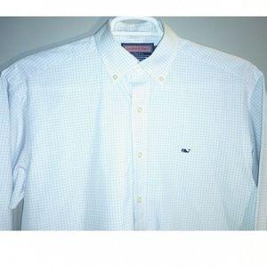Vineyard Vines Men's Medium size button down shirt